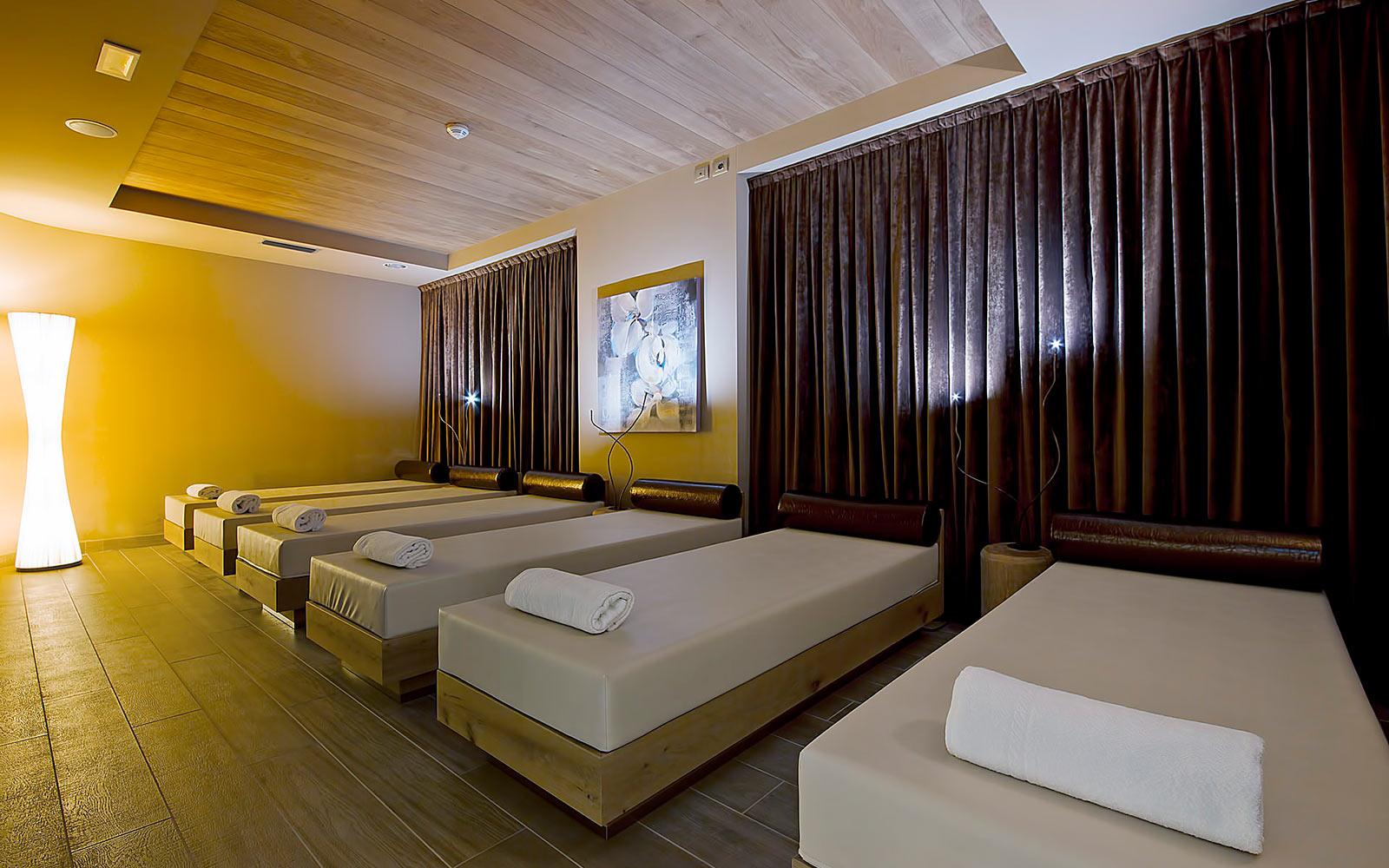 ZONA RELAX<br>HOTEL AMBASSADOR - LEVICO