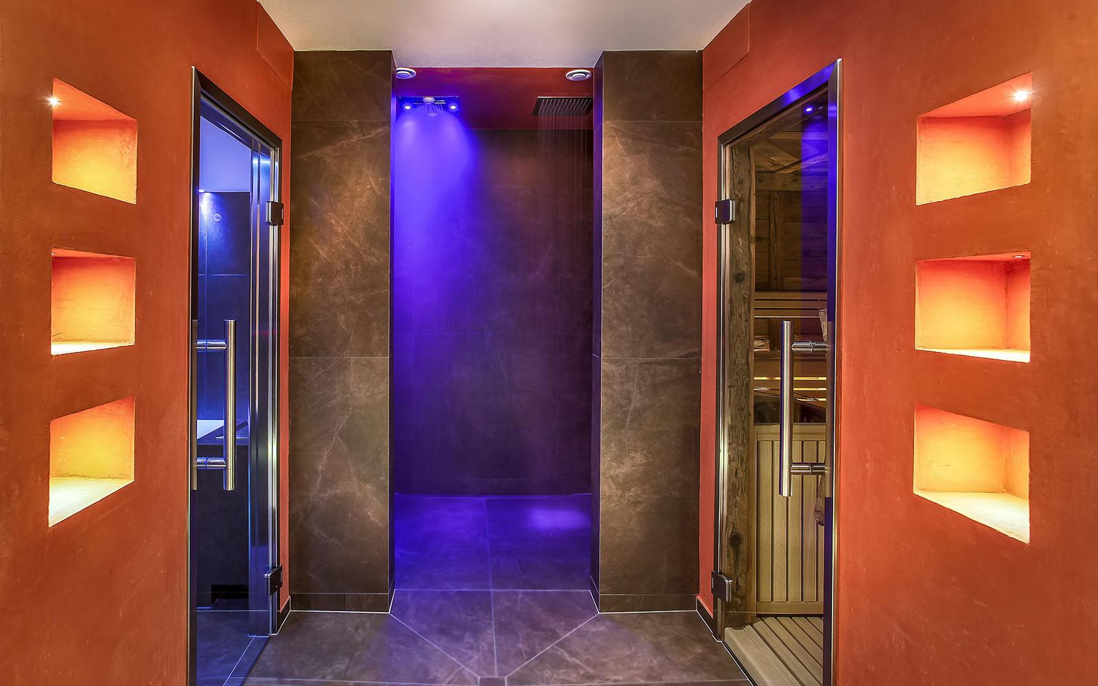 DOCCIA EMOZIONALE<br>HOTEL LA BERCIA - LA VILLA