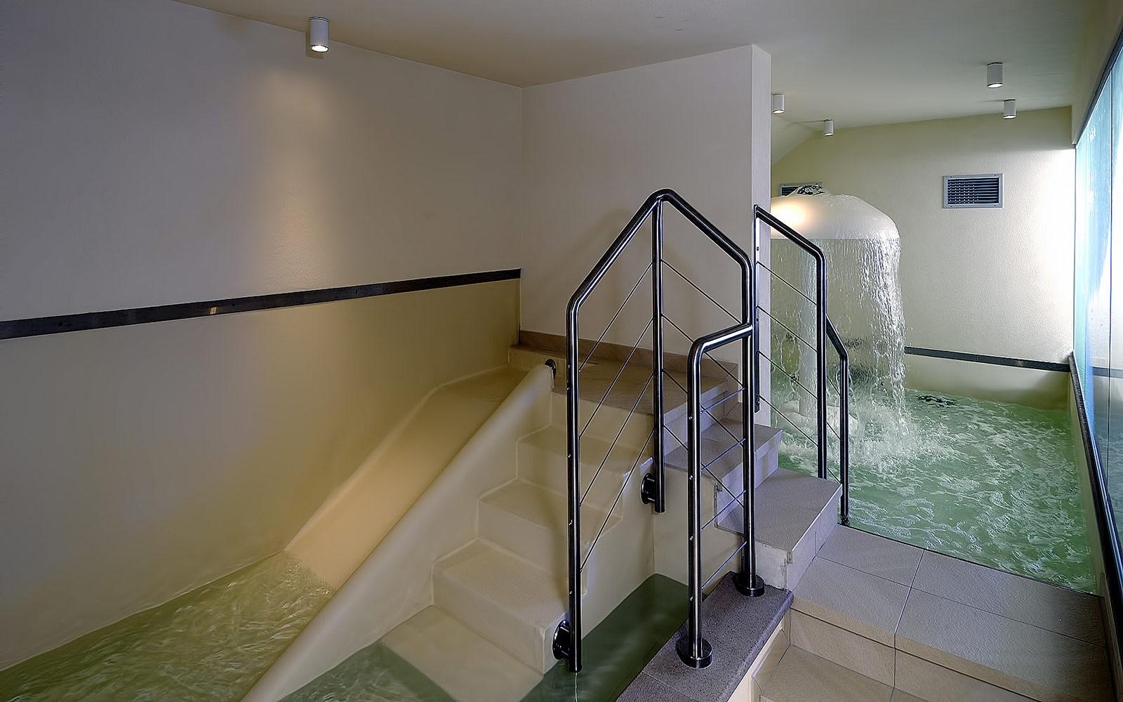 PISCINA BAMBINI<br>HOTEL SPORTING - MEZZANA