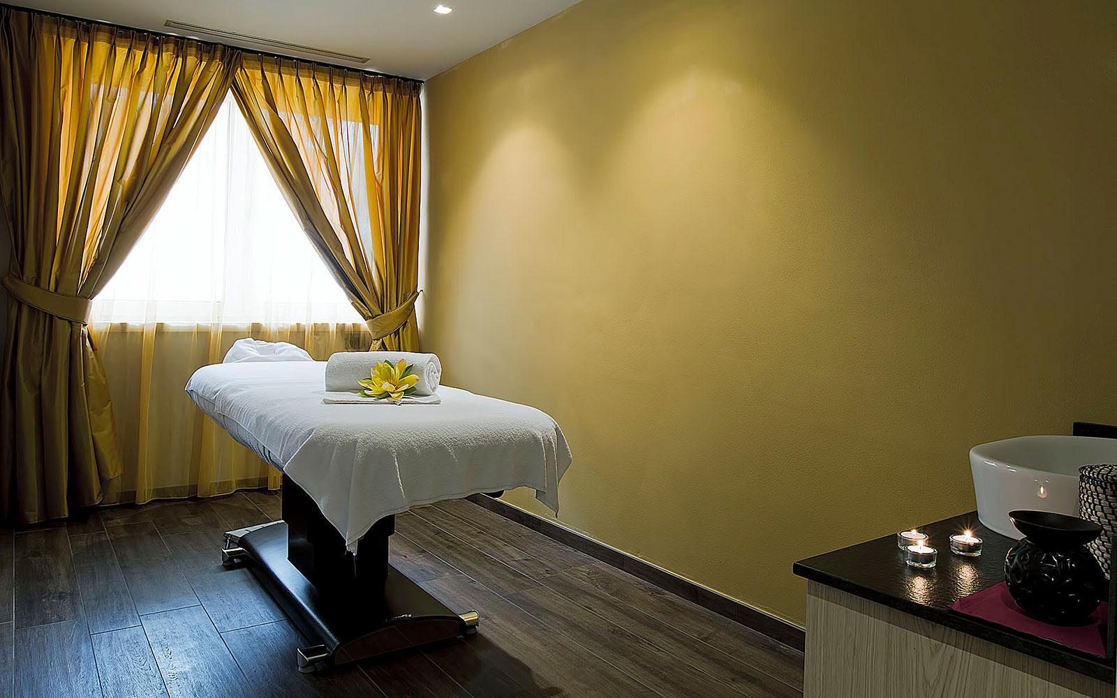 TRATTAMENTI BEAUTY<br>CIARNADOI DESIGN & SUITE HOTEL - VIGO DI FASSA
