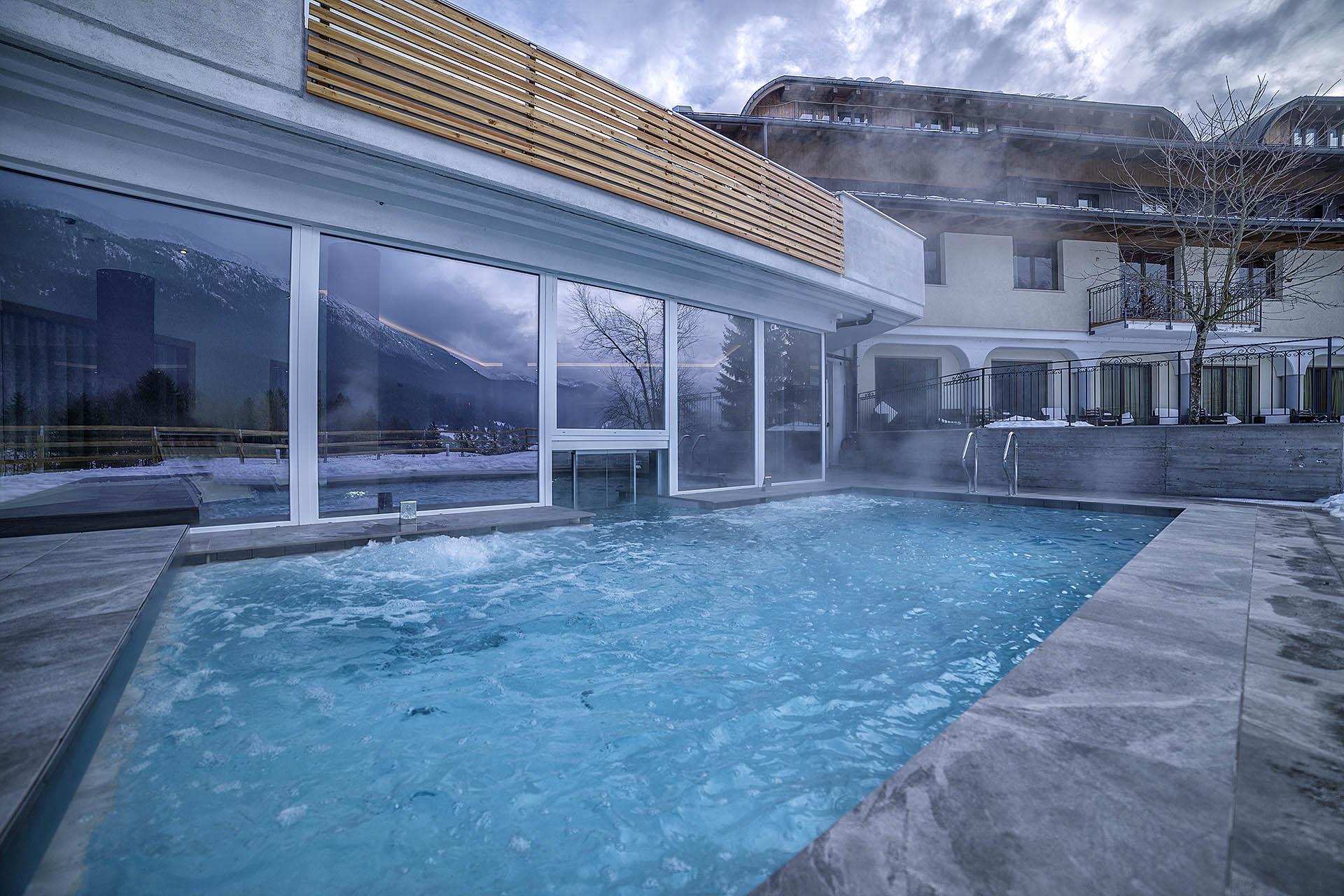PISCINA ESTERNA<br /> HOTEL REGENT'S - ANDALO