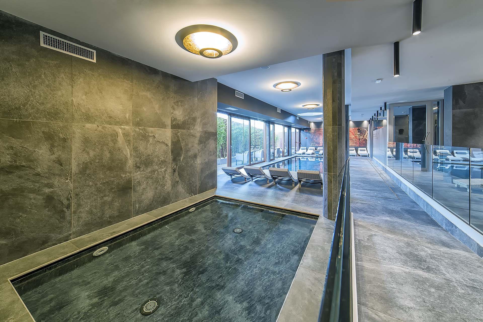 PISCINA ADULTI <br> HOTEL LEONARDO DA VINCI - BIBIONE (VE)