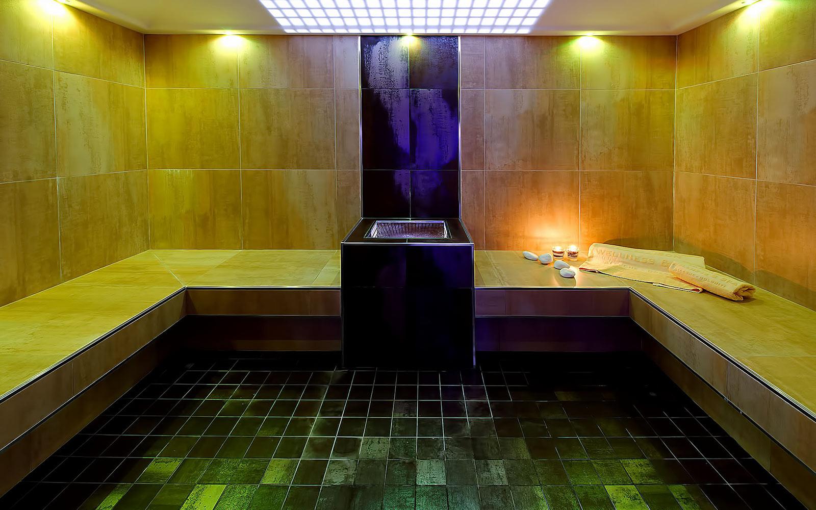 BAGNO TURCO<br>HOTEL LA MAISON - ALLEGHE