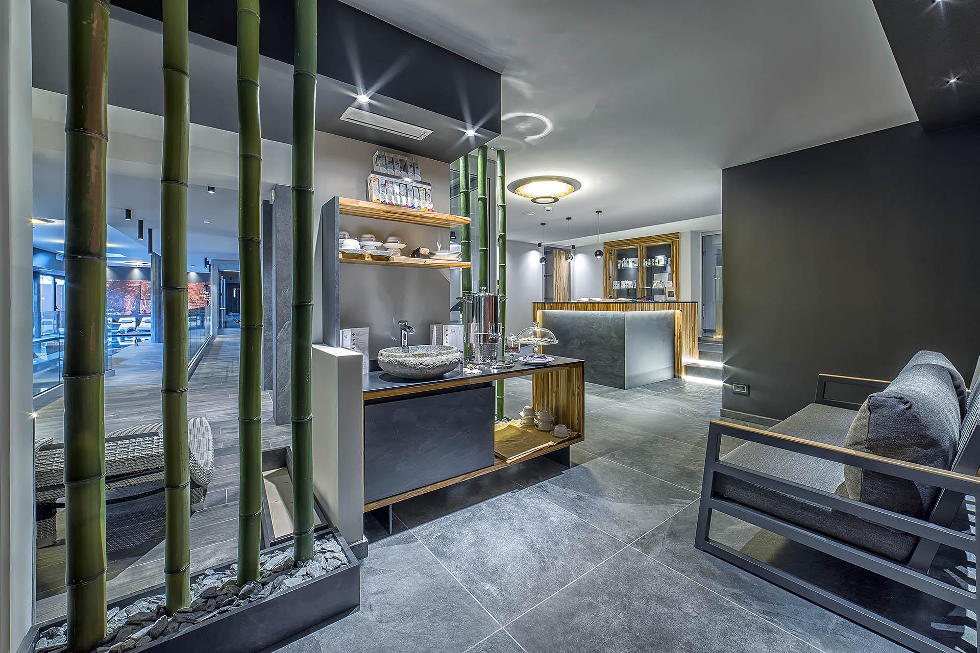 TISANERIA E RECEPTION<br /> HOTEL LEONARDO DA VINCI - BIBIONE (VE)