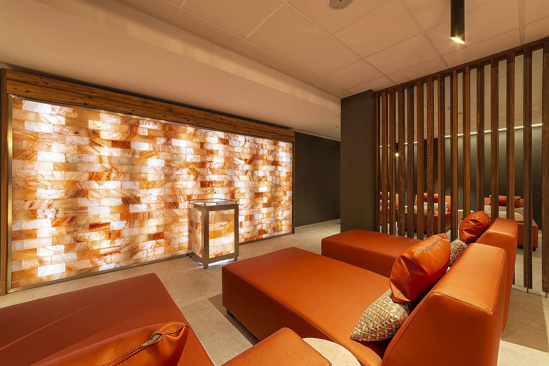 PARETE DI SALE<br /> HOTEL SHANDRANJ - LOC. STAVA (TN)
