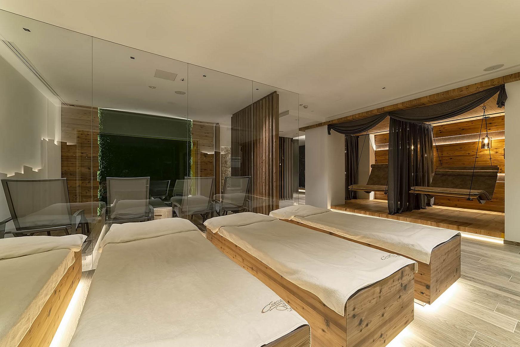 RELAX AL FIENO<br /> HOTEL SHANDRANJ - LOC. STAVA (TN)